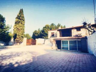 Villa provençale avec piscine - Chateauneuf-les-Martigues vacation rentals