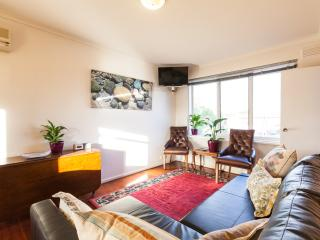 1 bedroom Condo with Internet Access in Clifton Hill - Clifton Hill vacation rentals