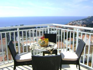 Nice 2 bedroom Dubrovnik Apartment with Internet Access - Dubrovnik vacation rentals
