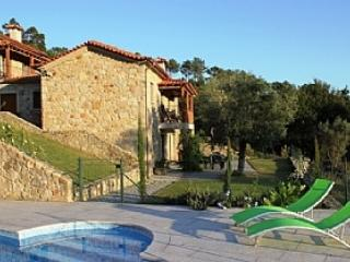Lovely 3 bedroom Vila Nova de Cerveira Farmhouse Barn with Satellite Or Cable TV - Vila Nova de Cerveira vacation rentals