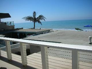 087U - Upstairs Beach Condo - 2 Bed/2 Bath - Sleeps 6 - Dana Point vacation rentals