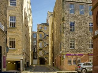 Trendy City Centre Apartment - Edinburgh & Lothians vacation rentals