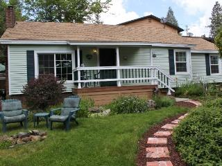 """The """"Chapel Street Cottage"""" - Grass Valley vacation rentals"""