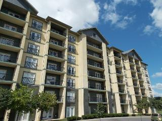 Condo MV3603 is Walking Distance from Pigeon Forge - pool,hot tub,attractions - Pigeon Forge vacation rentals