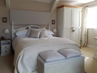 Luxury  character cottage with panoramic views - Lampeter vacation rentals