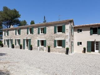 None YNF BOI - Les Baux de Provence vacation rentals