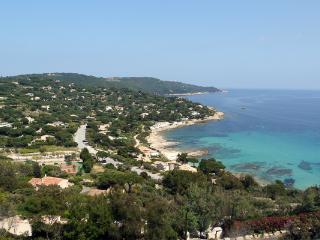 Comfortable House with Shared Outdoor Pool and Grill - Saint-Tropez vacation rentals