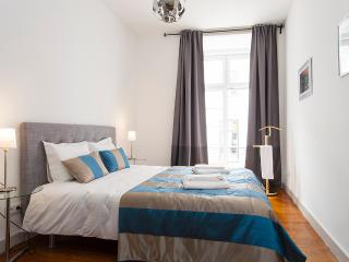 Downtown Cosy Apartment | RentExperience - Lisbon vacation rentals