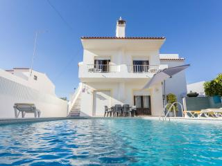 Apartment w/ private pool, 500m from beach T2 - Albufeira vacation rentals