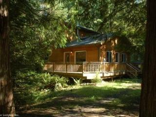 CR102nMapleFalls  - Mt Baker Rim Cabin #64 - It`s time to get away to this, Newer 2 bedroom cabin that is pet friendly! - Glacier vacation rentals