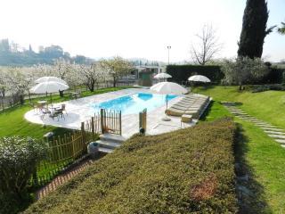 AGRICAMPING PASTRENGO, LAKE GARDA HILLS - Pastrengo vacation rentals