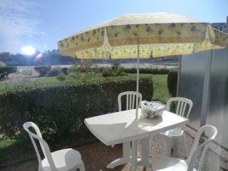 Crystal Studio Rez de jardin , accès direct plage - 206 - Dinard vacation rentals