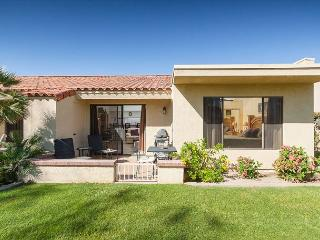 2BR Condo in Palm Desert Resort Country Club w/Amazing Views, Pools, Tennis - Palm Desert vacation rentals