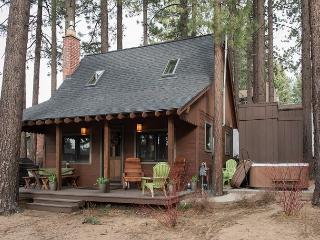2BR Charming Mountain Cabin + Private Hot Tub, South Lake Tahoe, Sleeps 6 - Lake Tahoe vacation rentals