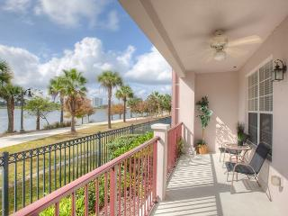 1st floor end unit with amazing lake view next to clubhouse, gym and pool. - Orlando vacation rentals