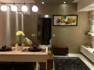 1 Bedroom Boutique Flat, Makati Business Center 40 - Makati vacation rentals
