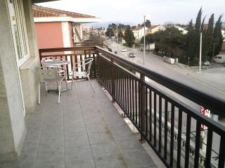 Studio Tadi for 2 with a balcony and WiFi - Kastel Kambelovac vacation rentals