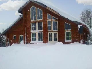Beautiful, new log villa on the banks of the Torne River, with terrace and stunning view - sleeps 7 - Lapland vacation rentals