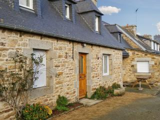 Idyllic house on the Cotes-d'Armor, Brittany, with central heating and garden – sleeps 6 - Lannion vacation rentals