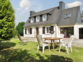 Idyllic house in the Finistere, Brittany, with 4 bedrooms and large, fenced garden - Pont-l'Abbe vacation rentals