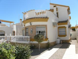 Casa Alba - Beautiful detached 3 bed villa - El Pinar de Campoverde vacation rentals