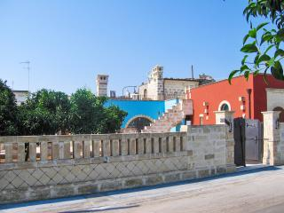 Beautifully-restored stone house near the Salento coast (Puglia) w/ air con & courtyard – sleeps 8 - Gallipoli vacation rentals