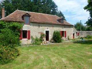 Bright 4 bedroom House in Le Blanc with Internet Access - Le Blanc vacation rentals