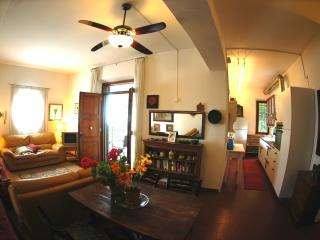 2 bedroom Condo with Internet Access in Cortona - Cortona vacation rentals