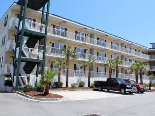 Beach Club Condos - Unit 115 - Swimming Pools - Restaurant - FREE Wi-Fi - Tybee Island vacation rentals