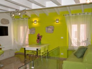 Vacanze in centro a Bardolino_ALYS - Bardolino vacation rentals