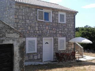 Seaside Stone House Apartment No.1 Drage Dalmatia - Drage vacation rentals