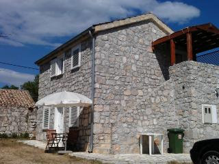 Seaside Stone House Apartment No.3 Drage, Dalmatia - Drage vacation rentals