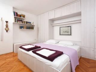 Comfy apartment in city center - Split vacation rentals