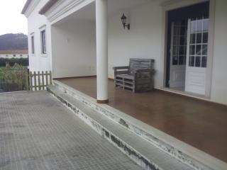 Nice Townhouse with Internet Access and Satellite Or Cable TV - Santo Isidoro vacation rentals