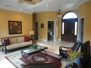Beautiful Villa with Internet Access and A/C - Nassau vacation rentals