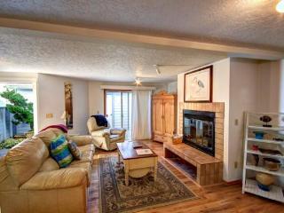 Sandcastle C3 - 2 bed, 2 bath ground floor condo w/ a pool Sleeps 6 - 61425 - Cannon Beach vacation rentals