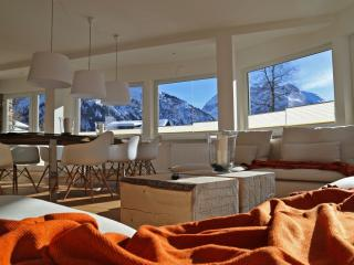 Bright 4 bedroom Condo in Mittelberg - Mittelberg vacation rentals