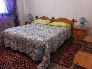 Cozy 2 bedroom Bed and Breakfast in Villacidro - Villacidro vacation rentals