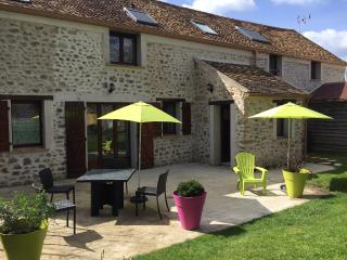 Escale Bel Air Maison - Fontenay-les-Briis vacation rentals
