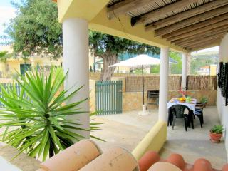 Small Vila of the heart of the Algarve WIFI - Loule vacation rentals
