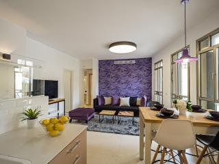 Luxurious Garden Apt. - Clock House Project - Tel Aviv vacation rentals