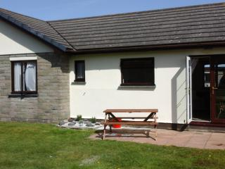 2 bedroom Bungalow with Internet Access in The Lizard - The Lizard vacation rentals