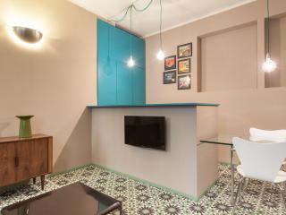 Romantic 1 bedroom Milan Apartment with Internet Access - Milan vacation rentals