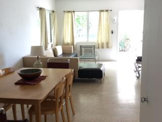 Waterfront 2 Bedroom cottage steps to beach! - Miami Beach vacation rentals