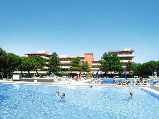 Residence Valbella con piscina - Bibione vacation rentals