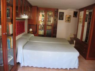 La Coruña: house near beaches. Inside the Costa Na - Oleiros vacation rentals