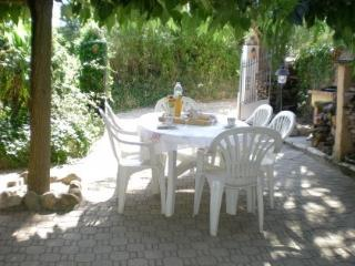 Nice Gite with Tennis Court and Television - Montagnac-Montpezat vacation rentals