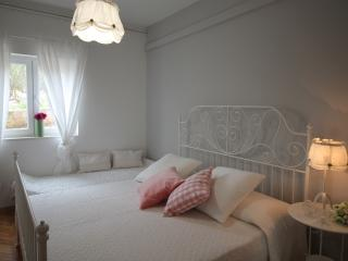 Romantic apartment A4+1 - Okrug Gornji vacation rentals