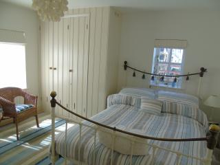 Cormorant Cottage ~100 steps to the beach ~ - Whitstable vacation rentals