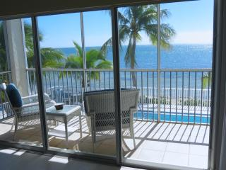 Amazing Ocean View Condo on the Beach! - Marathon vacation rentals